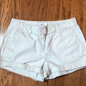 Vineyard Vines tan shorts